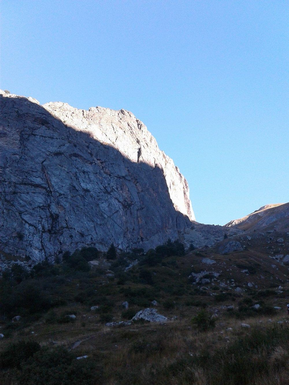 Il versante est della Rocca dove si sviluppa Danza Provenzale