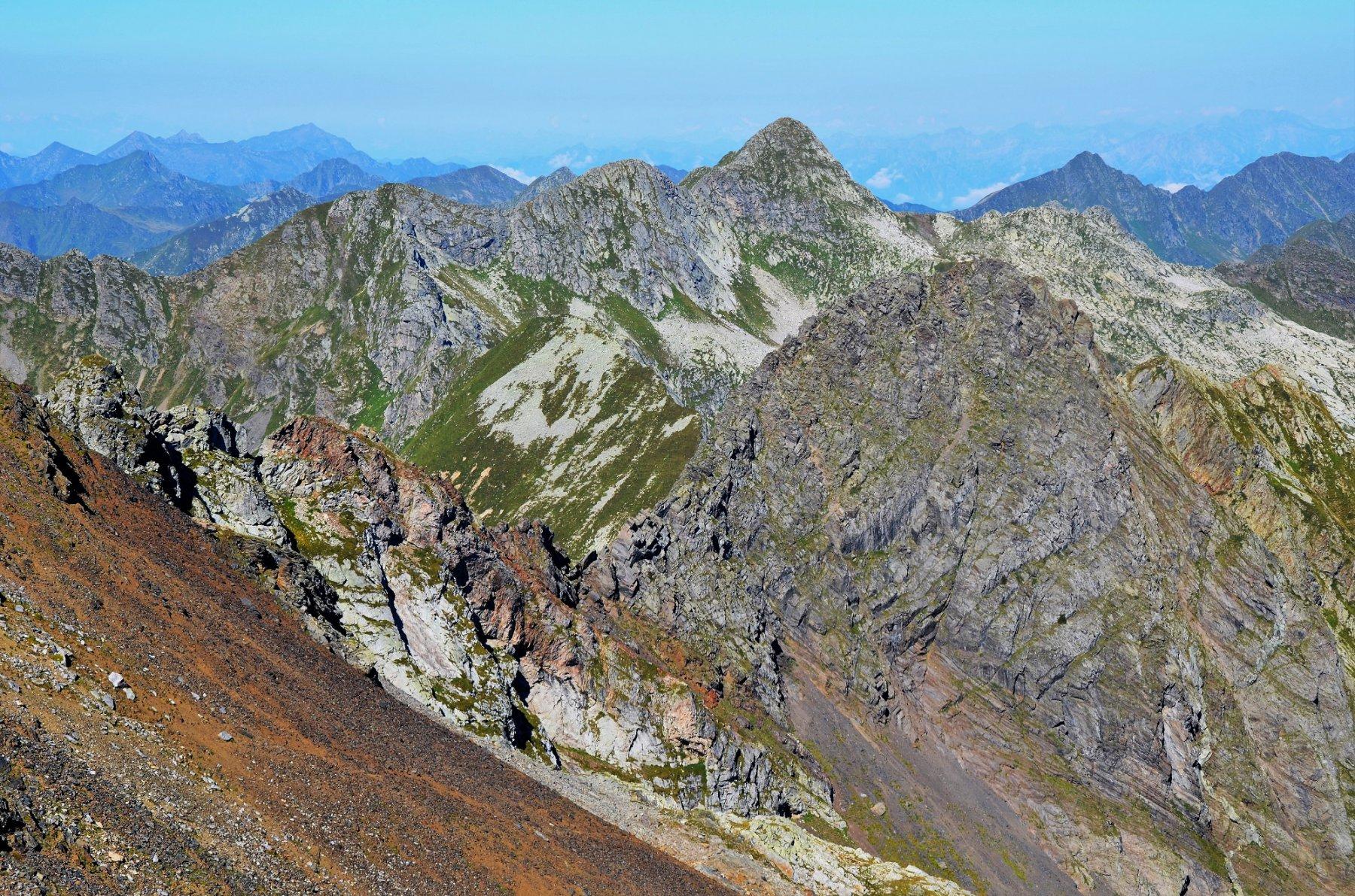 Cresta Masoni-Zerna, dietro Corno Stella