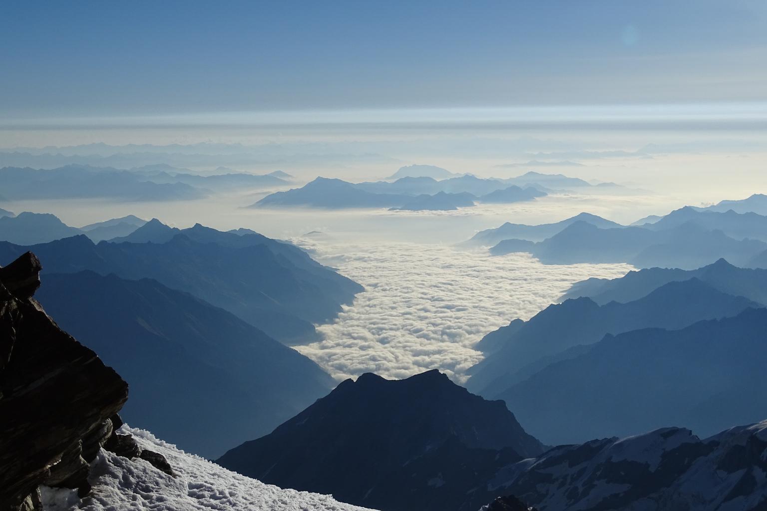 mare di nubi sulla Valsesia