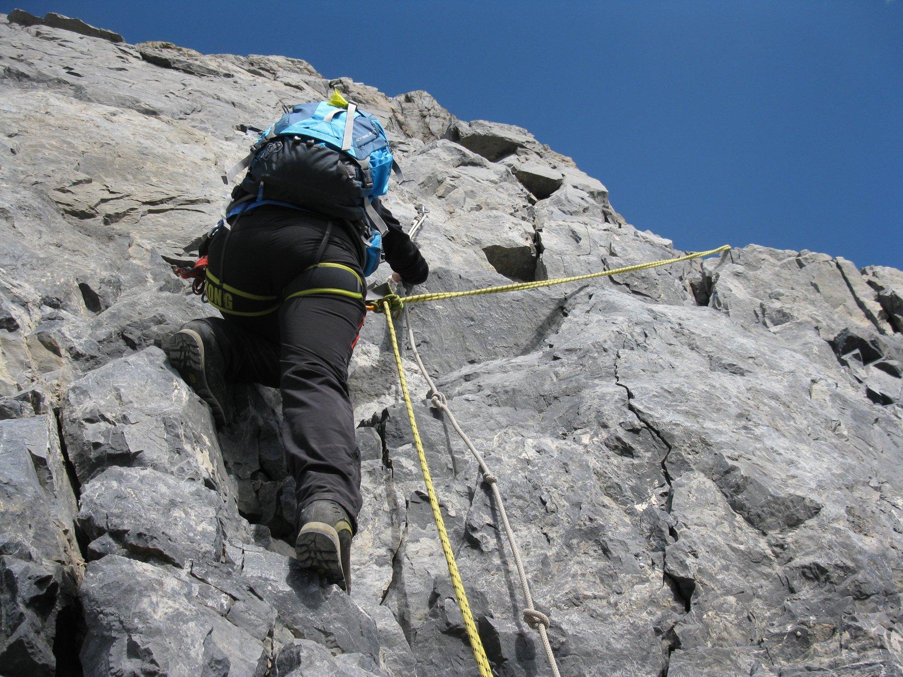 Passaggio iniziale con corda fissa