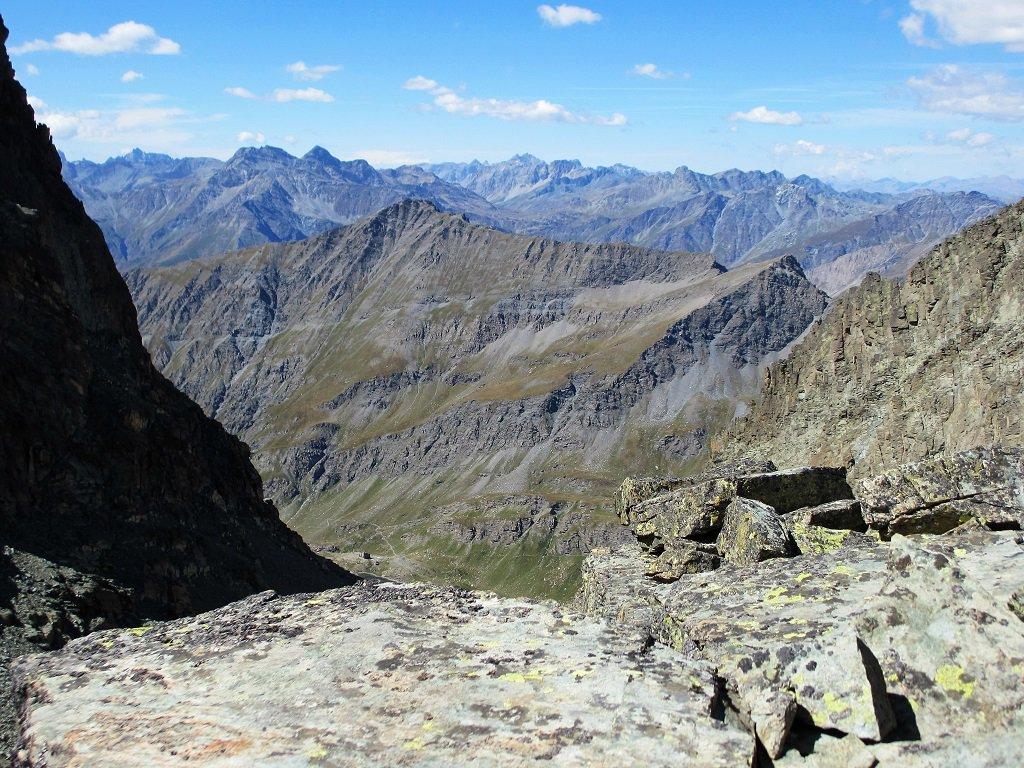 Panoramica e in basso il rif.Vallanta