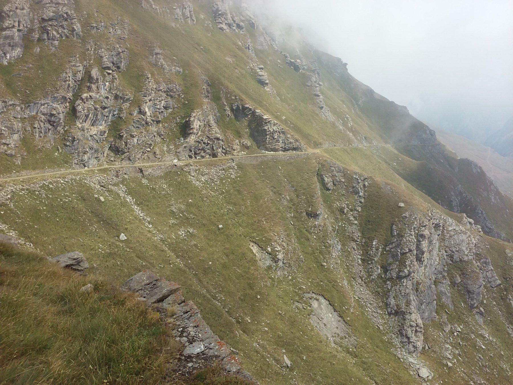 Il successivo tratto in costa sul versante della Val Chisone.