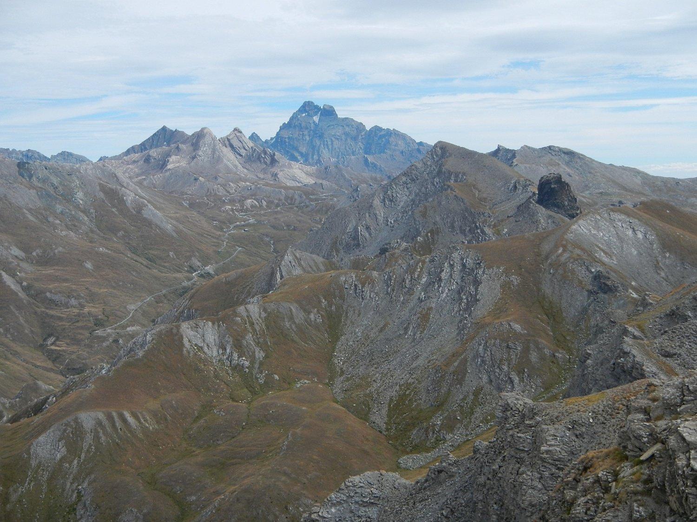 dalla cima gran vista su Col Agnel e Monviso