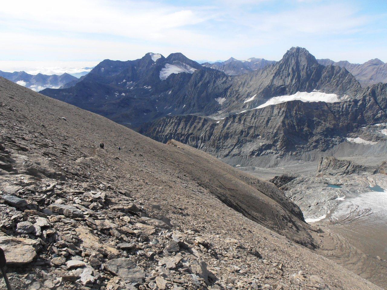 09 - il versante ovest della Ciamarella, la traccia sopra al ghiacciaio