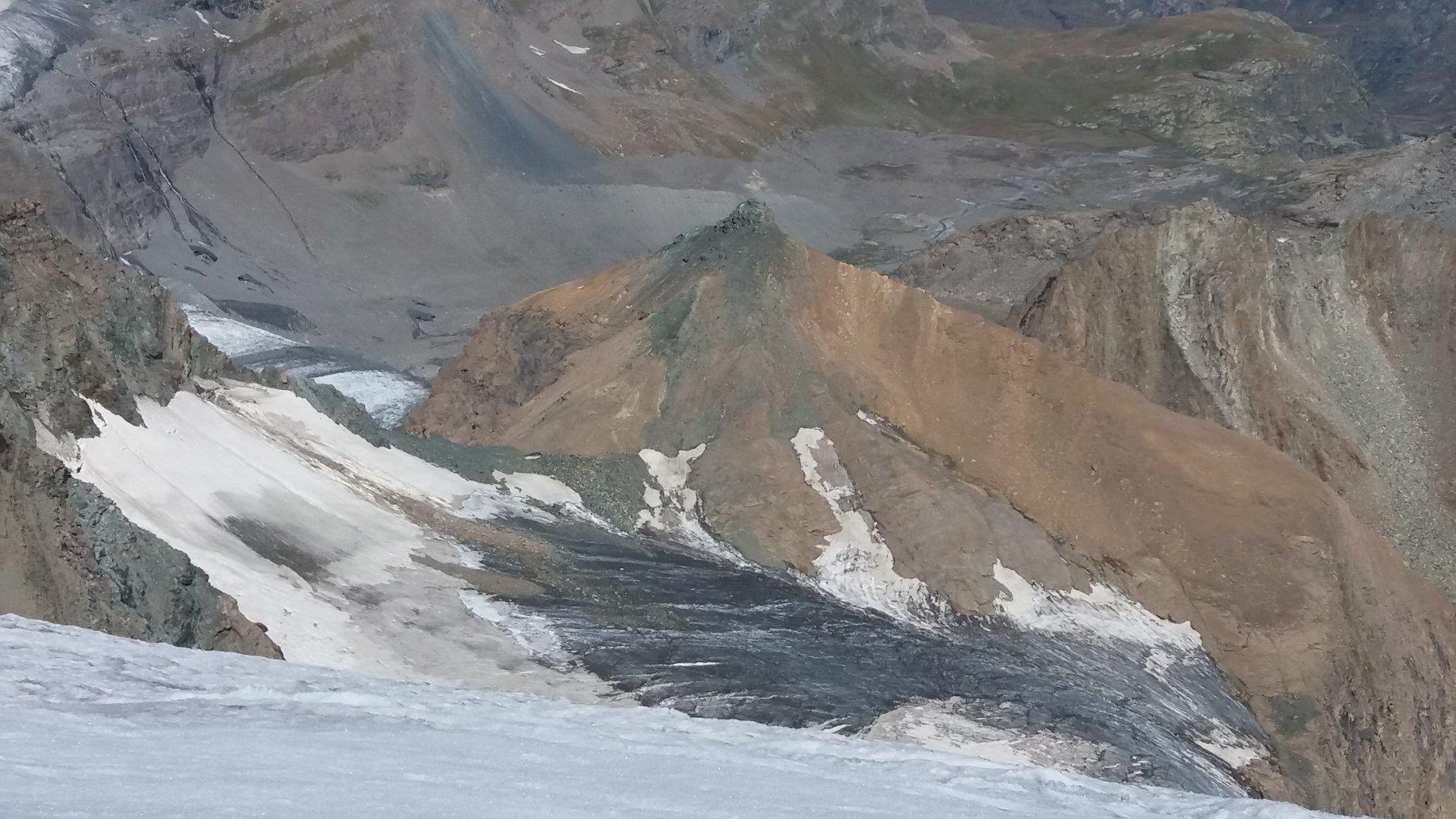 Punta e ghiacciaio Tonini