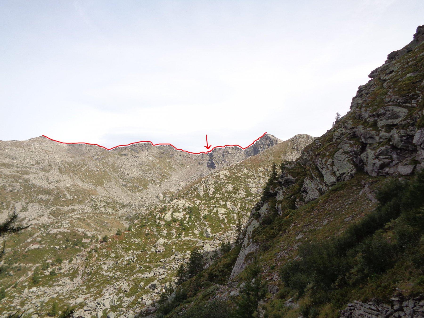 percorso della cresta. la freccia indica il primo torrione