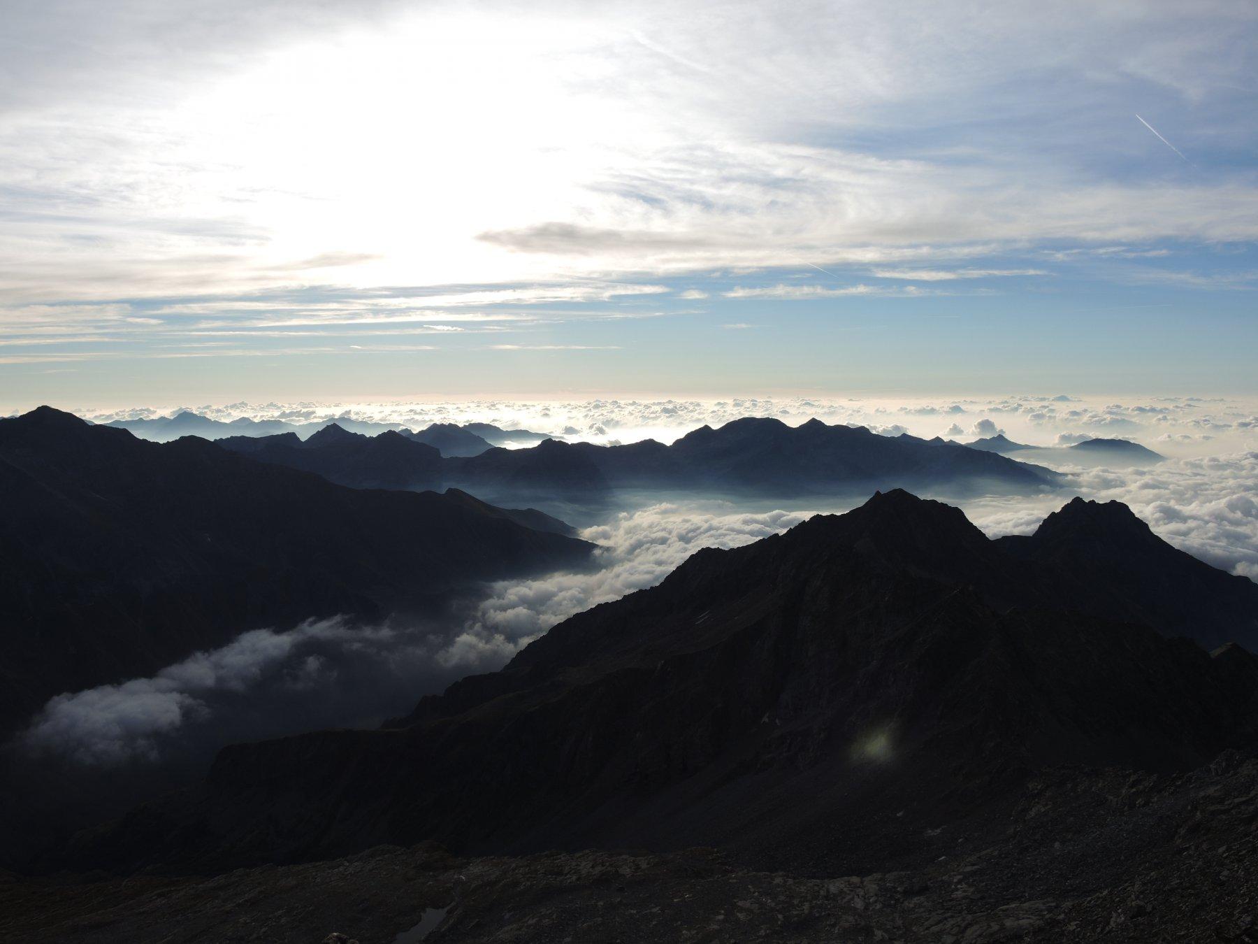 Giochi di nuvole verso il Piemonte