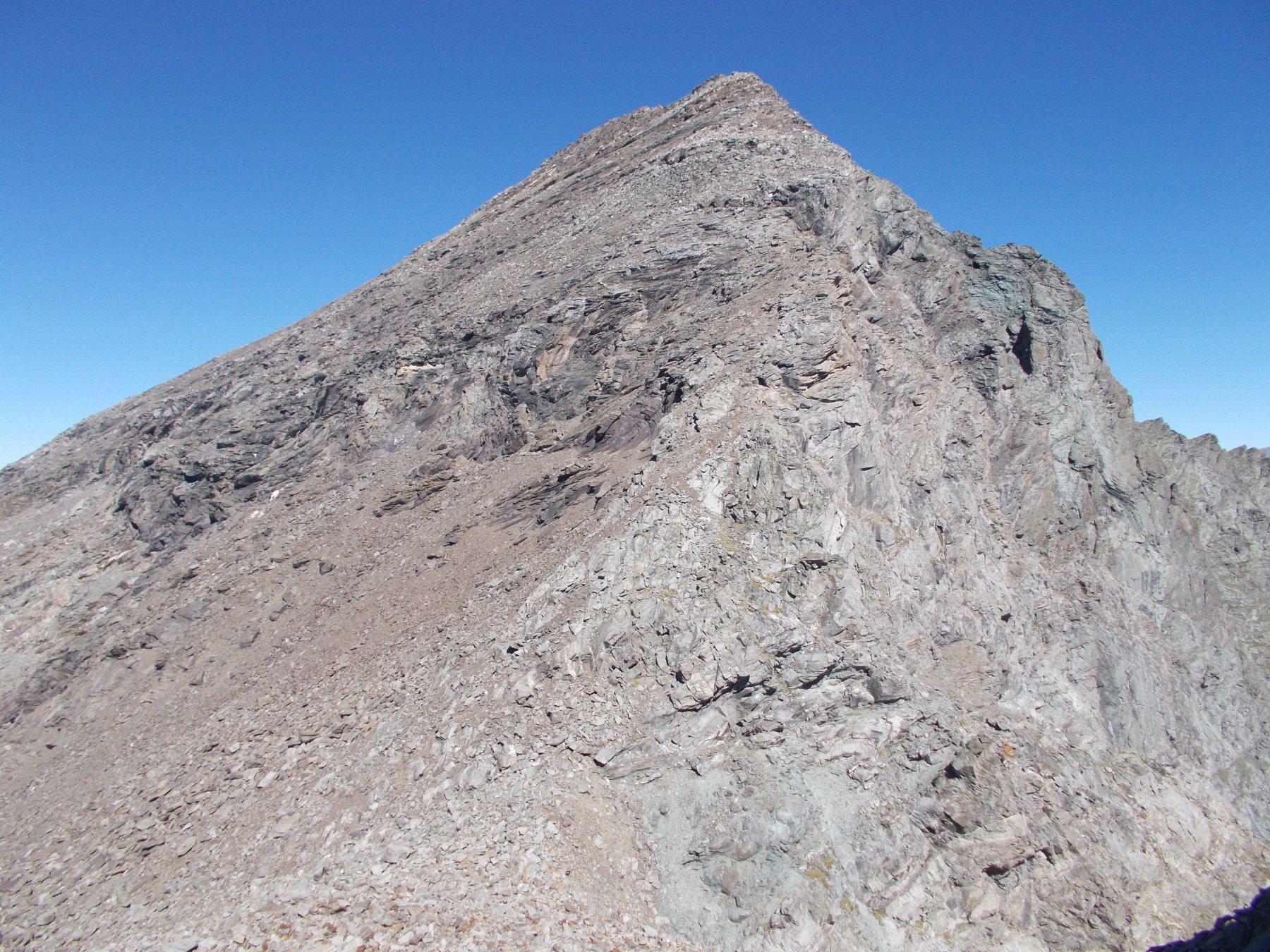 dal Passo Martelli di fronte la cresta sud est alla P.d'Arnas ancora tutta da salire..