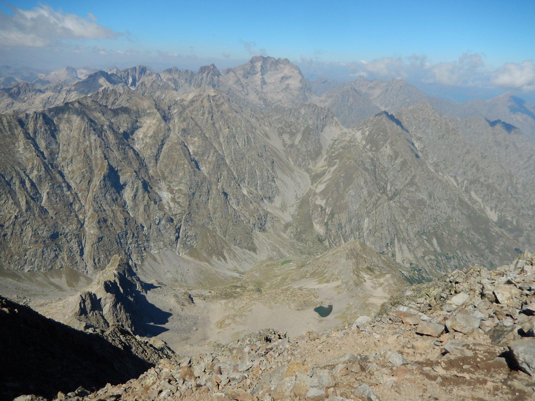Spettacolare vista dalla cima verso l'Argentera e tutte le principali cime della valle Gesso.