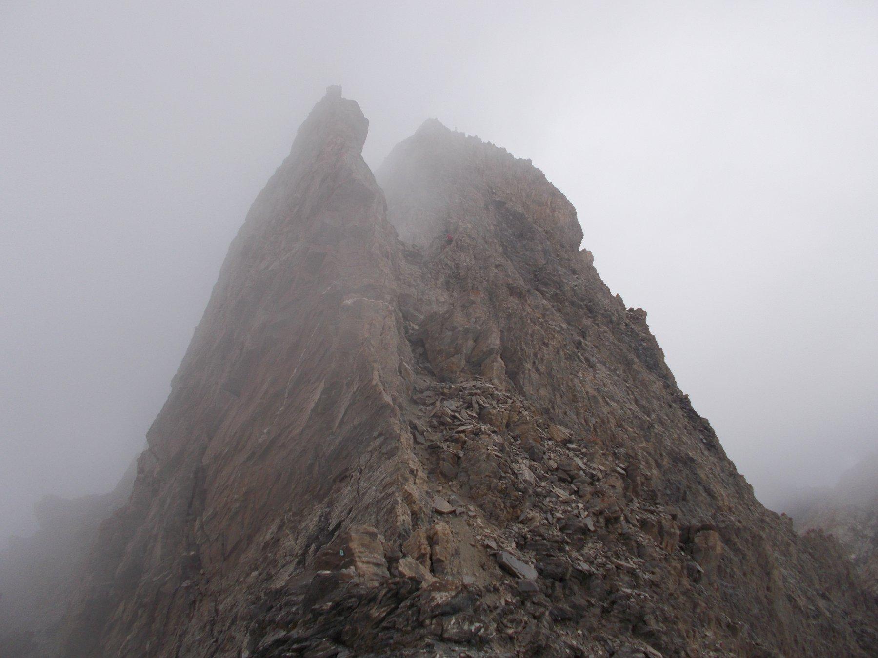 Il Pic d'Asti dalla Selle d'Asti..avvolto nelle nebbie..