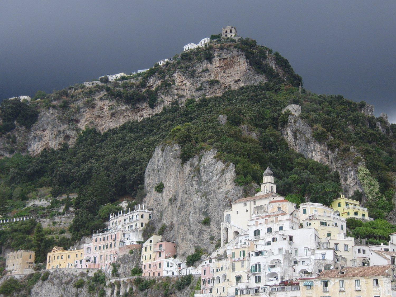 Acquazzone su Amalfi