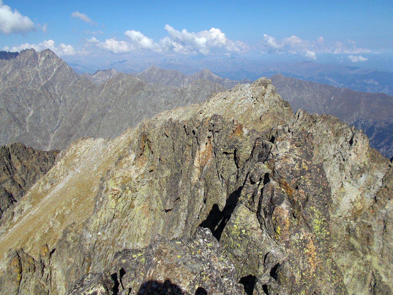 la cresta verso la seconda cima