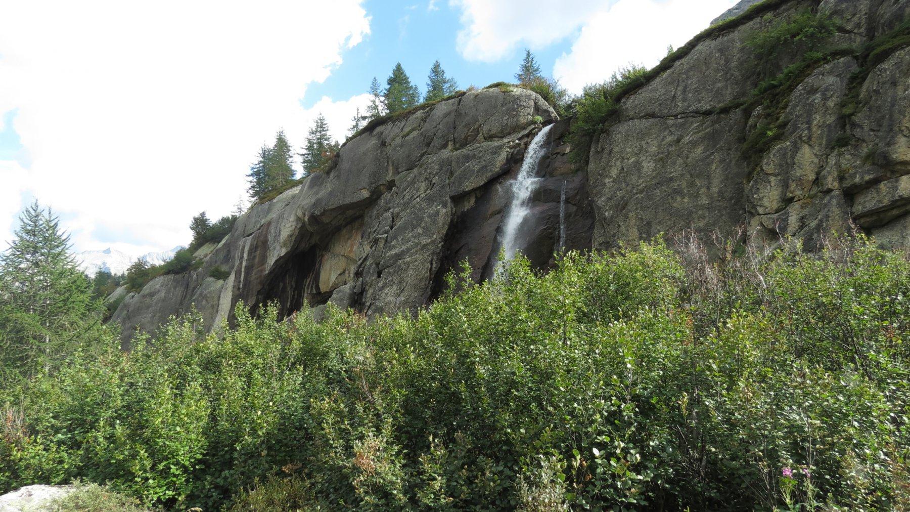 cascatella nel Vallone del Vannino, non lontana dal Rifugio Miryam