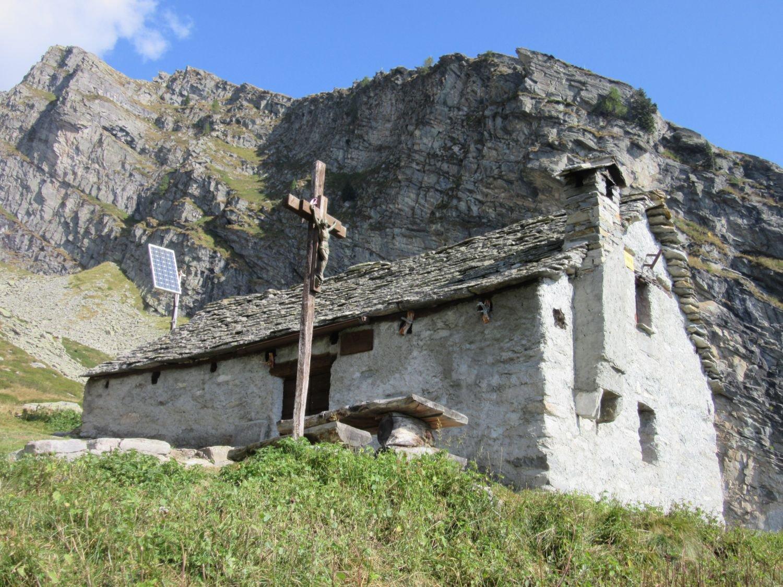 Bivacco Regi all'Alpe Forno