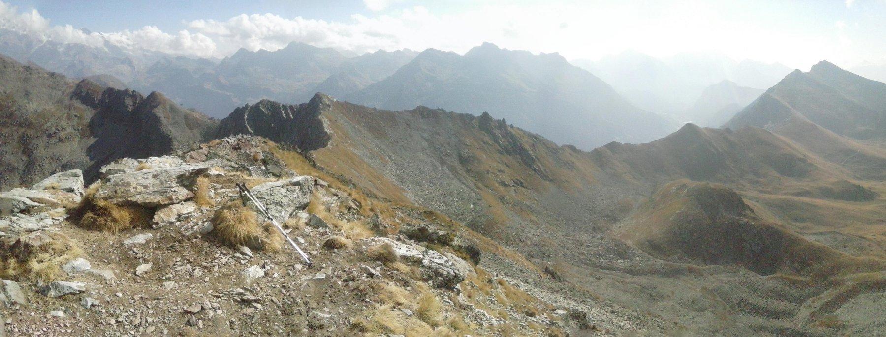 la lunga cresta da percorrere verso il colle Portola...
