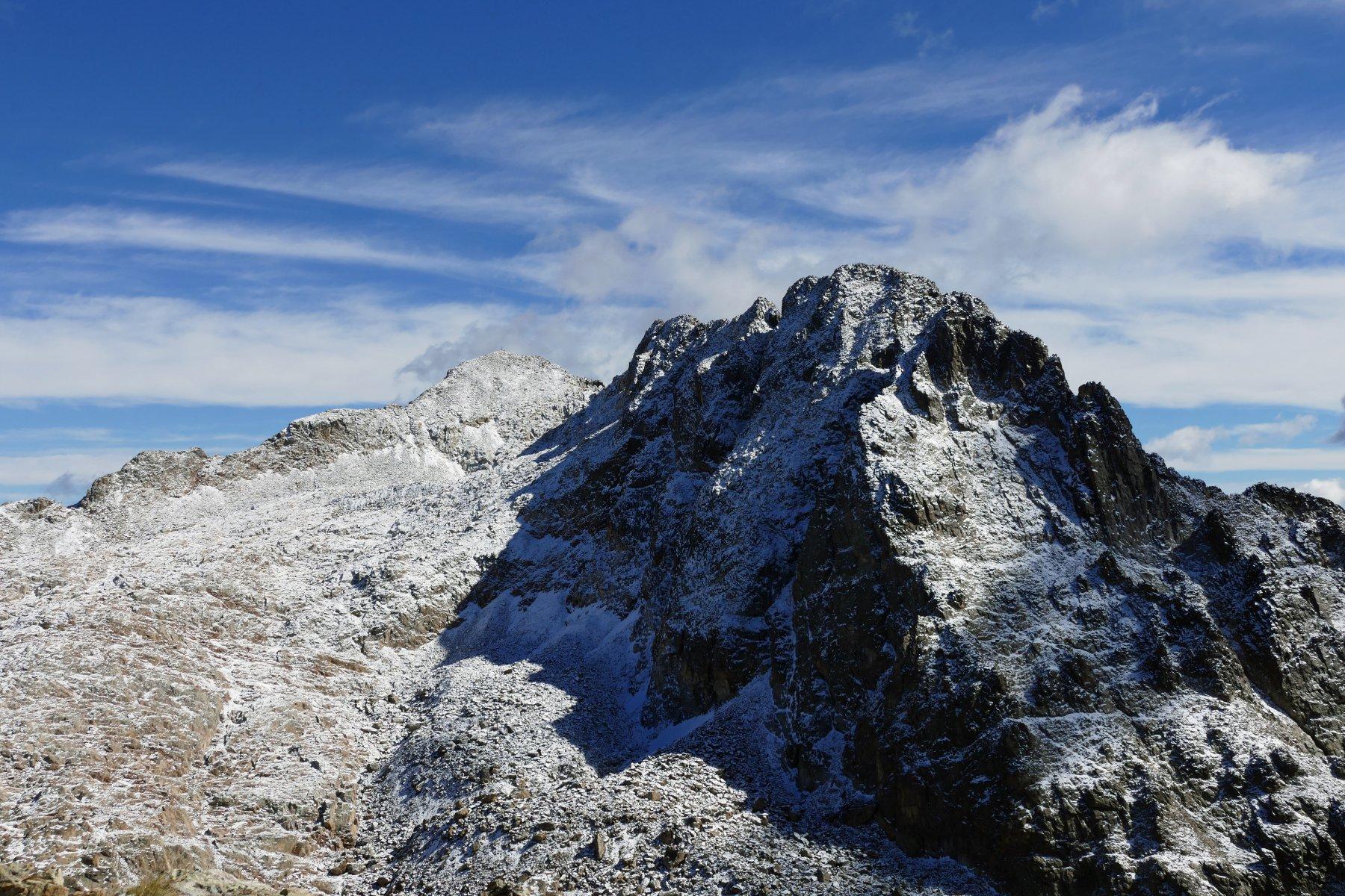 Dal colle vista sul severo versante settentrionale del Matto