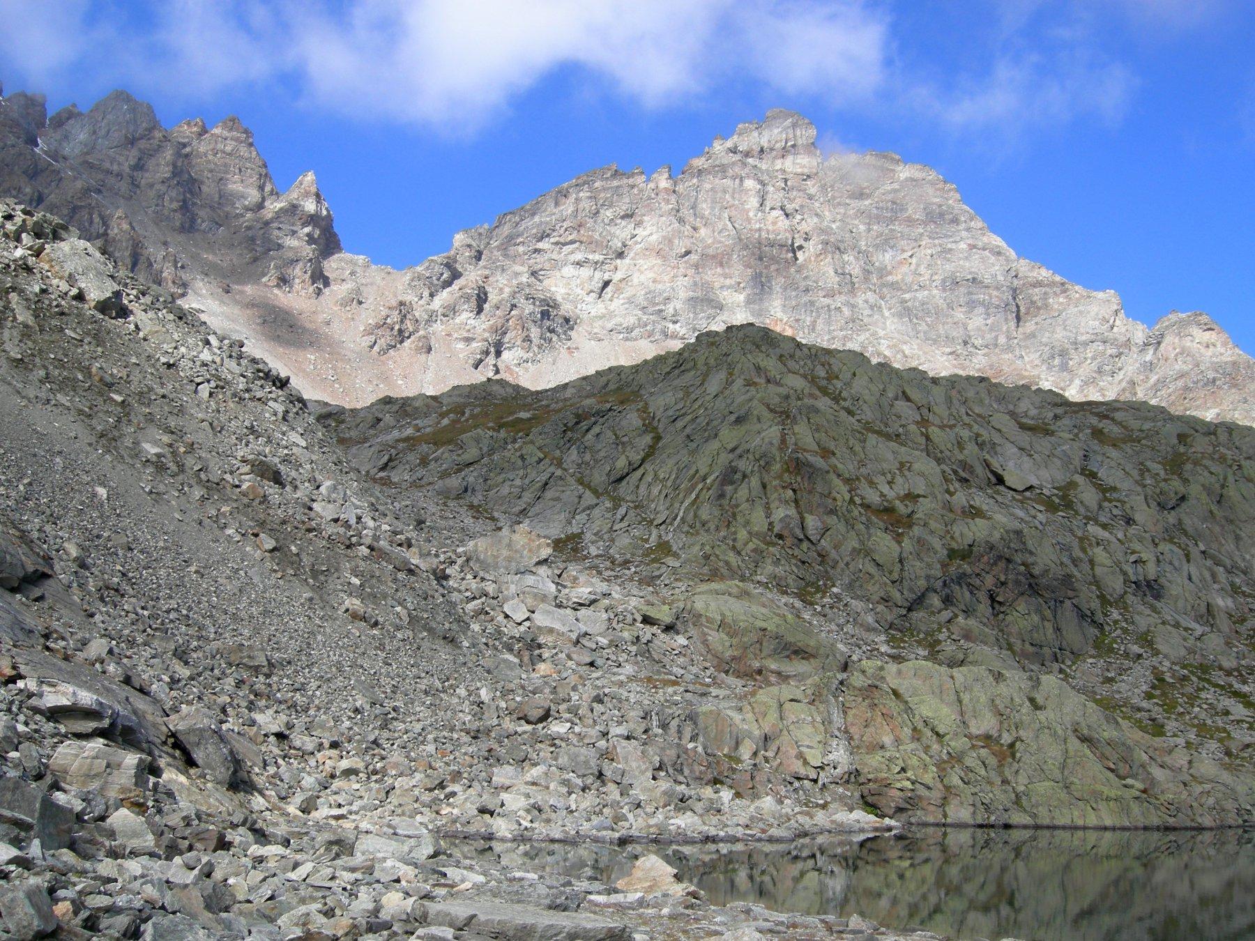 in riva al lago Pisonet