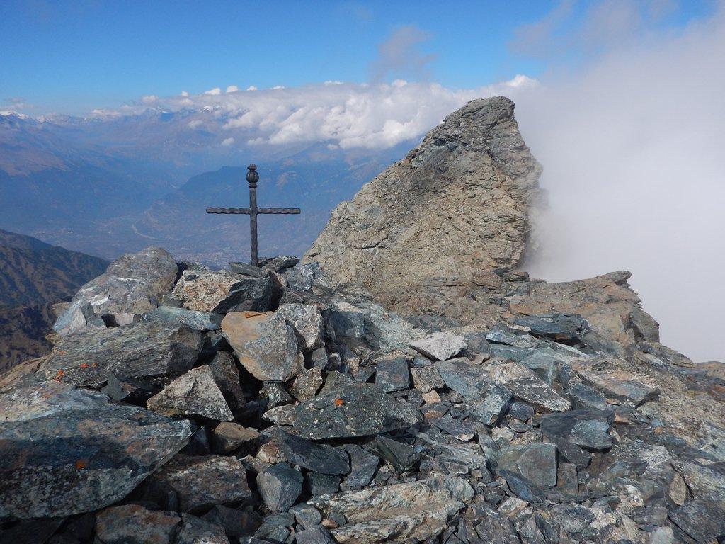 Croce Punta Sud e Punta Nord sullo sfondo