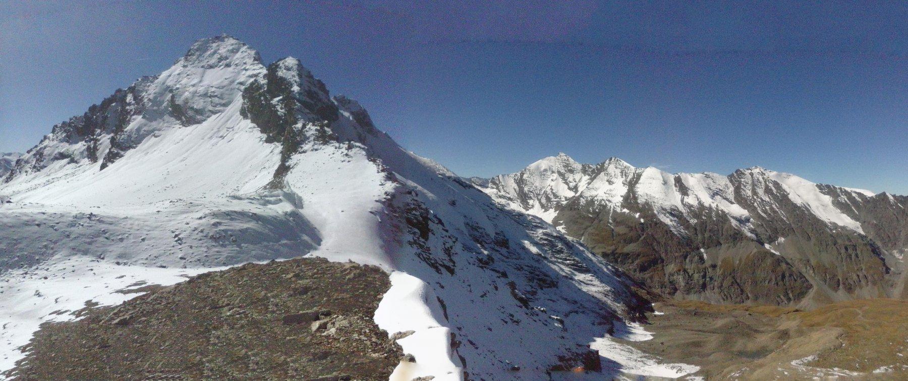 panorama dal colle verso la Gran Traversiére e la Valgrisa...