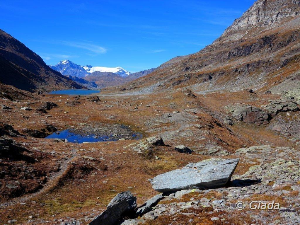Col Clapier e il vasto pianoro sede del Lac de Savine ed altri laghetti