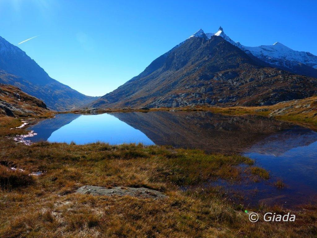 Uno dei Lac Perrin e Denti e Rocca d'Ambin