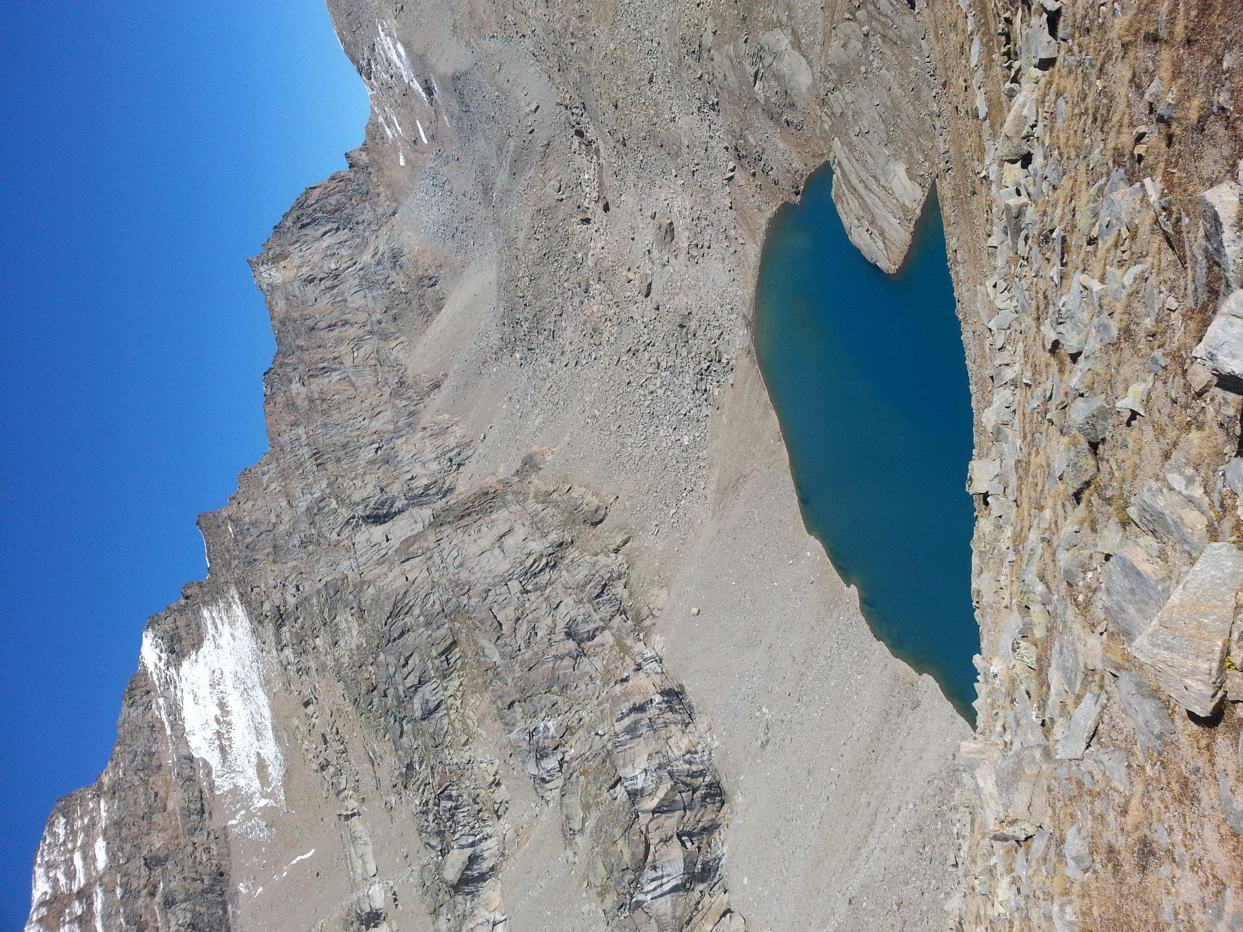 Il lago Lillet, dal colle della Terra
