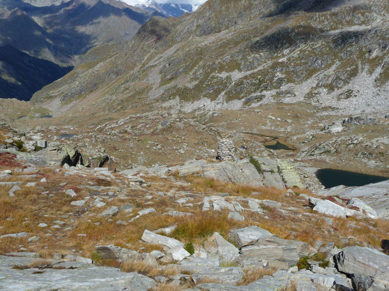 Dal Colle la Val Vogna con l'Alpe Maccagno presso i laghi più bassi
