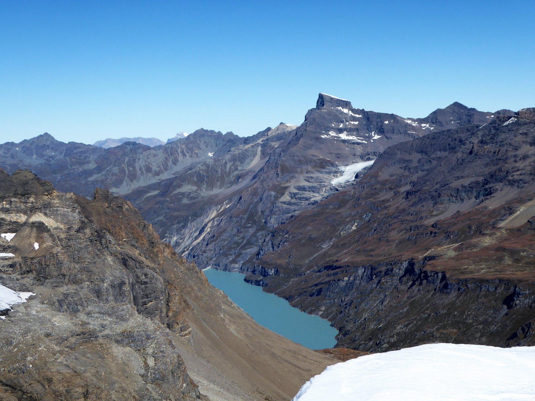 Il lago de Mauvoisin dalla cima