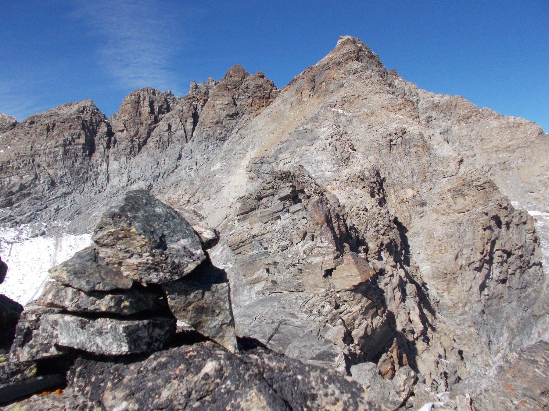 ..e di fronte la cresta sudest alla P.Boneval..