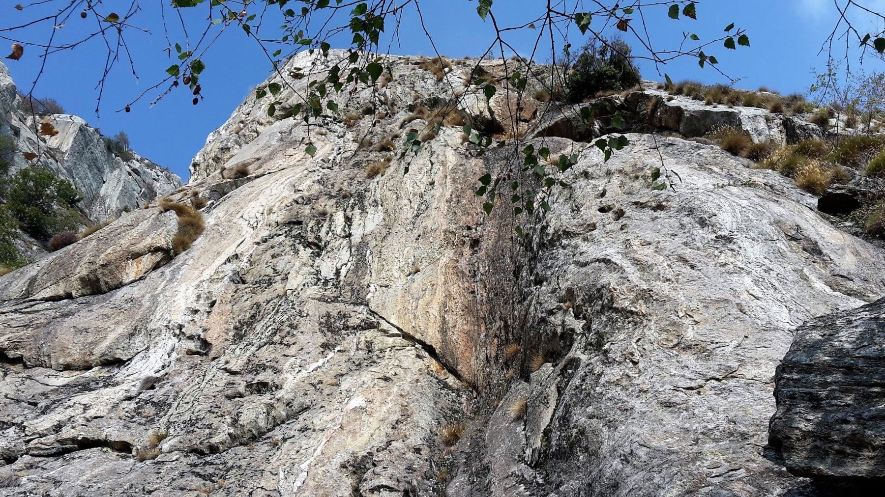 la roccia lavorata a buconi emmenthal...