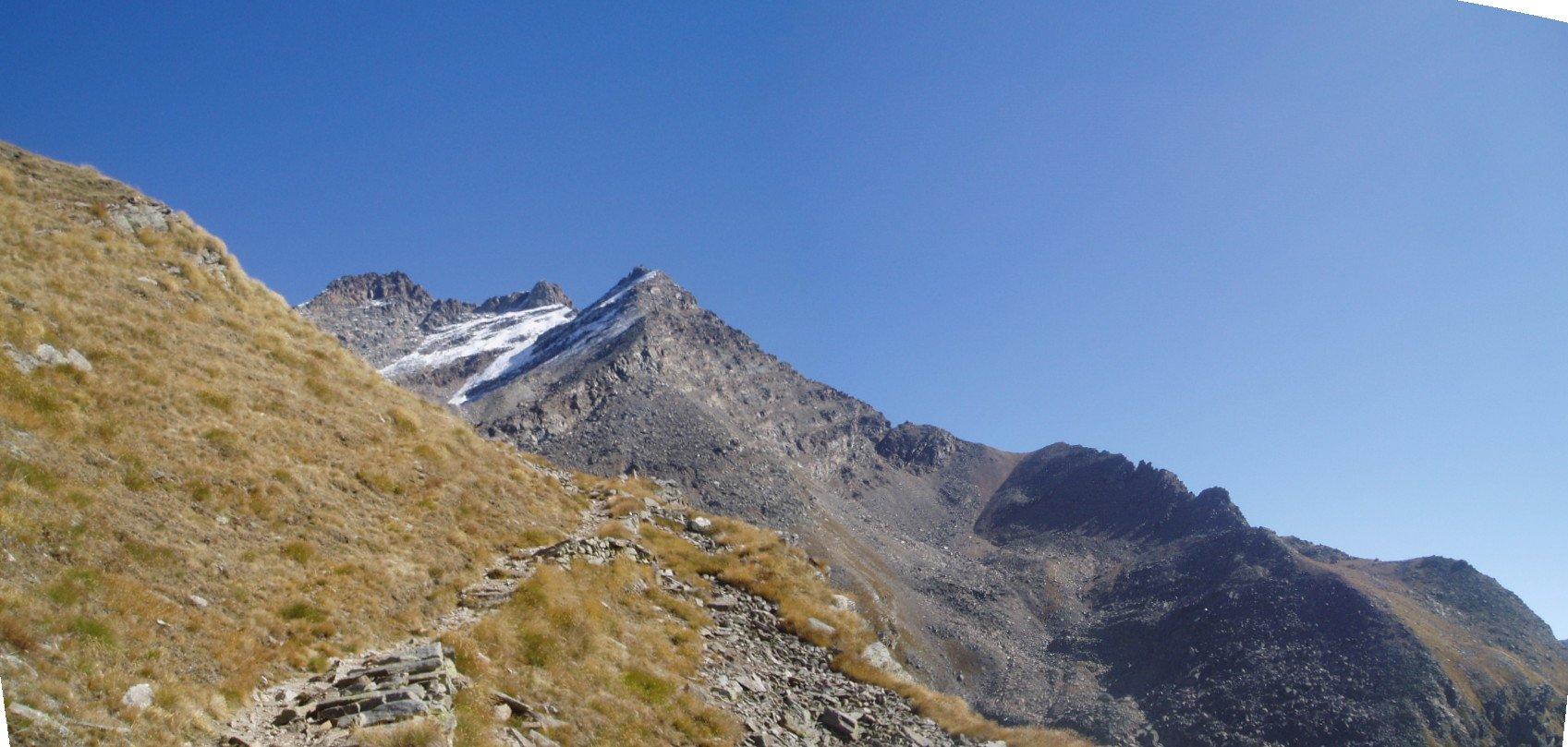 Dal sentiero balcone: P. Fourà, Mare Percia e Colle della Terra.