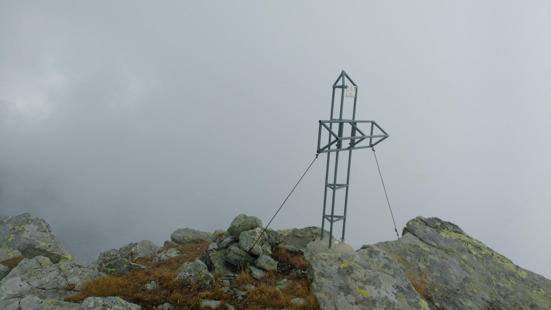 Punta nella nebbia