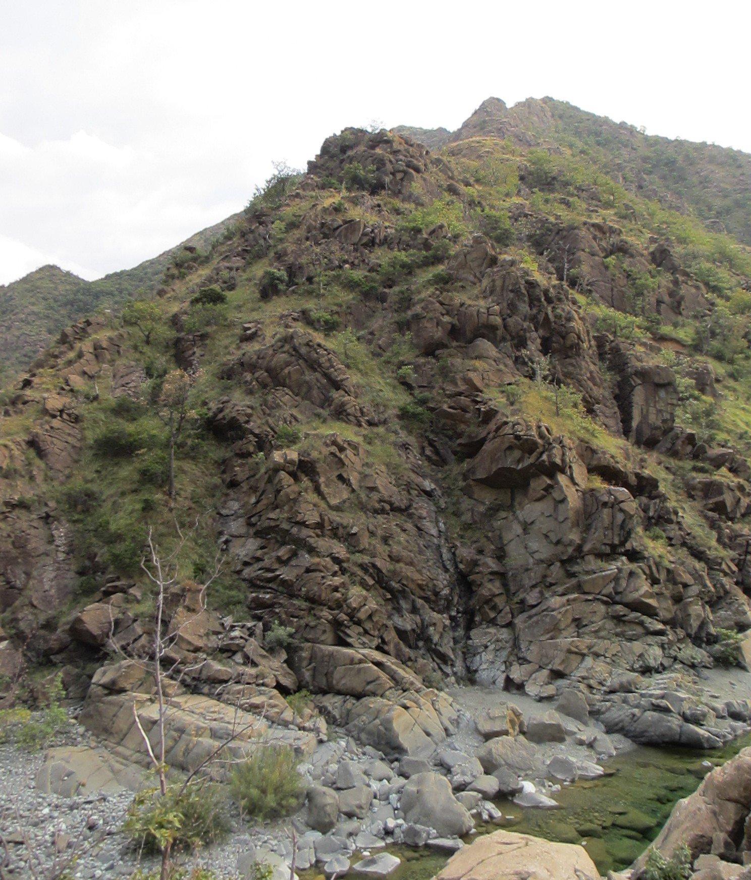 L'inizio della cresta del monte Tugello vista da un altro lato