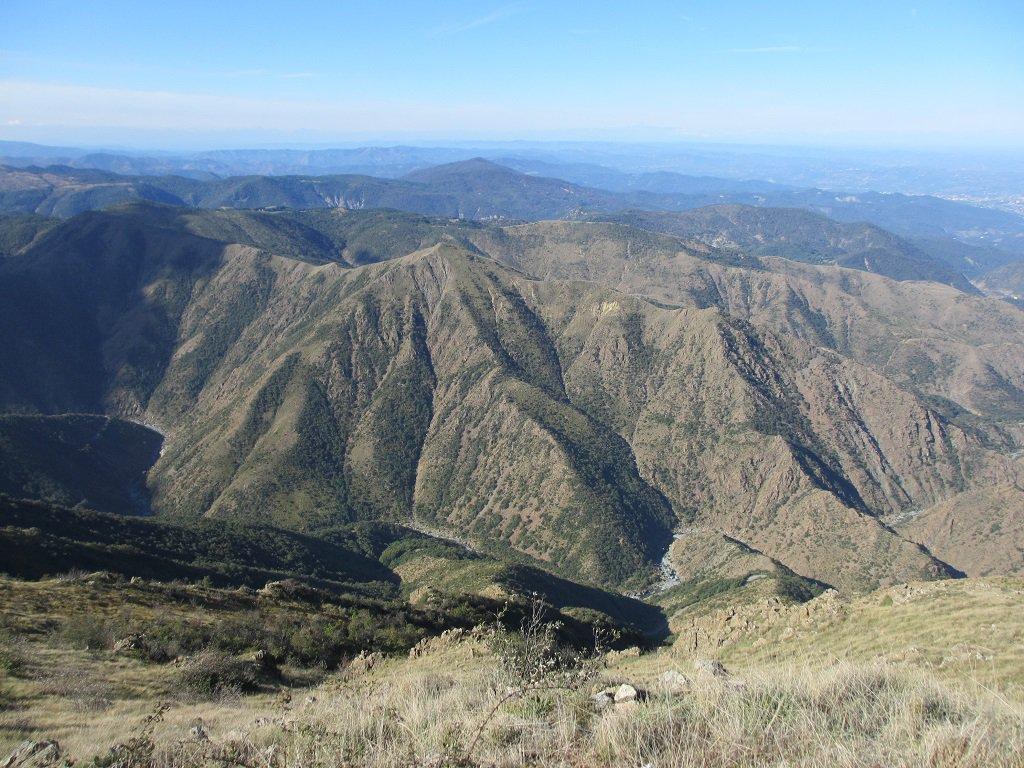 Monte Tugello visto dalla cresta ovest del Tobbio