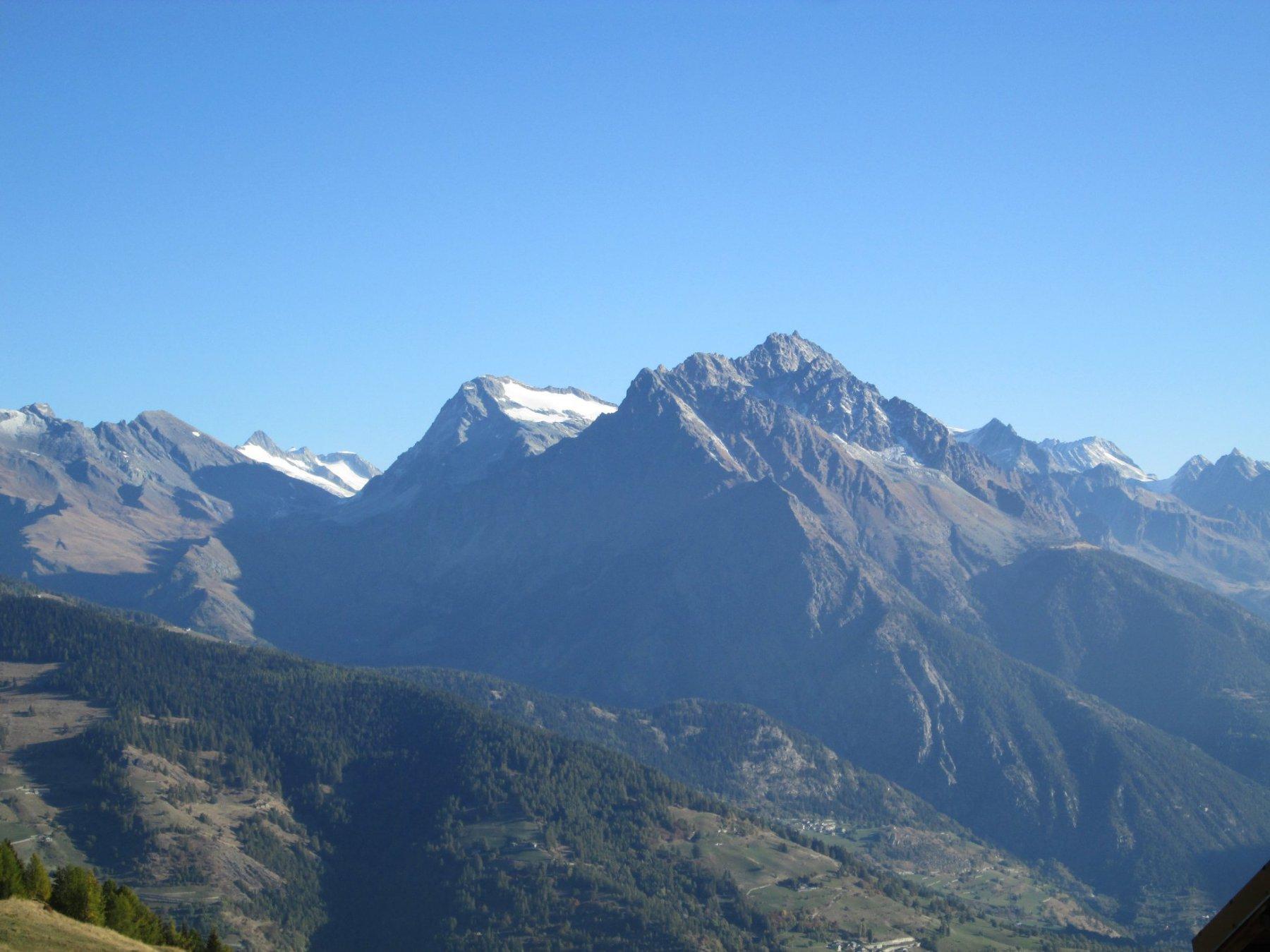 Mont Gelè (3023 m) ripreso salendo