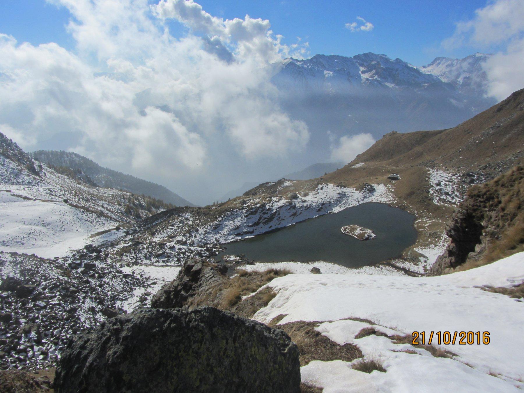 lago del Laus visto dal lago La Manica
