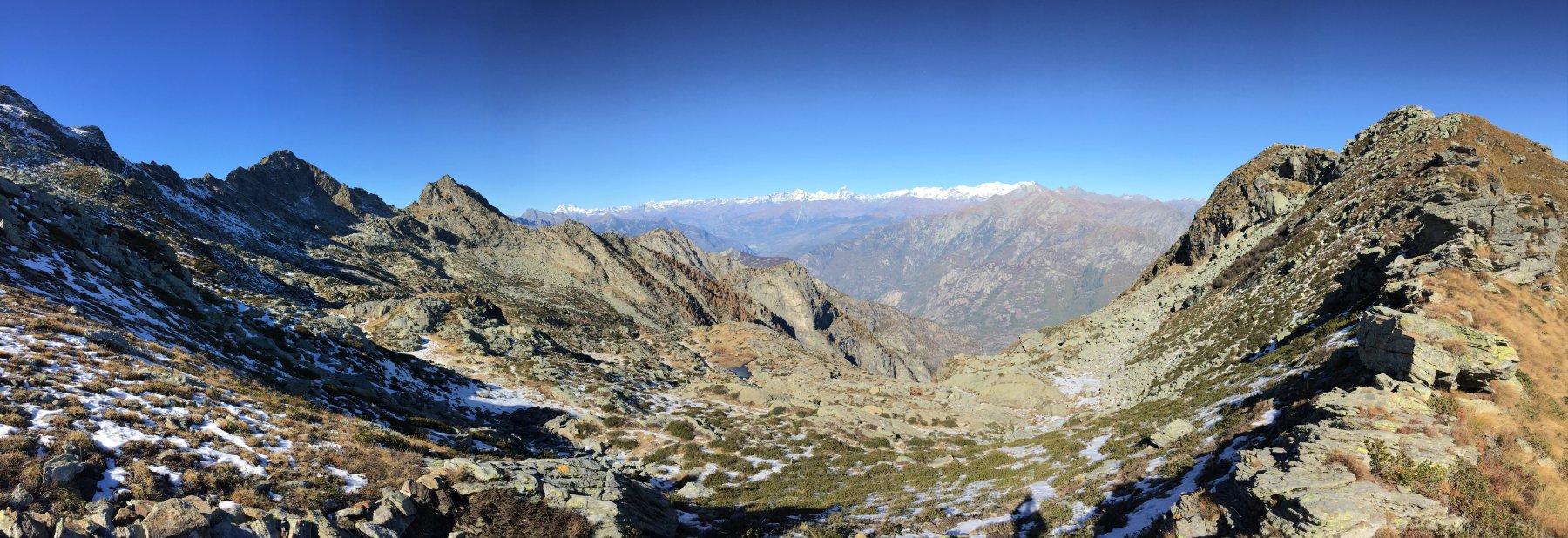 Vista dal Colle verso la Valle D'Aosta