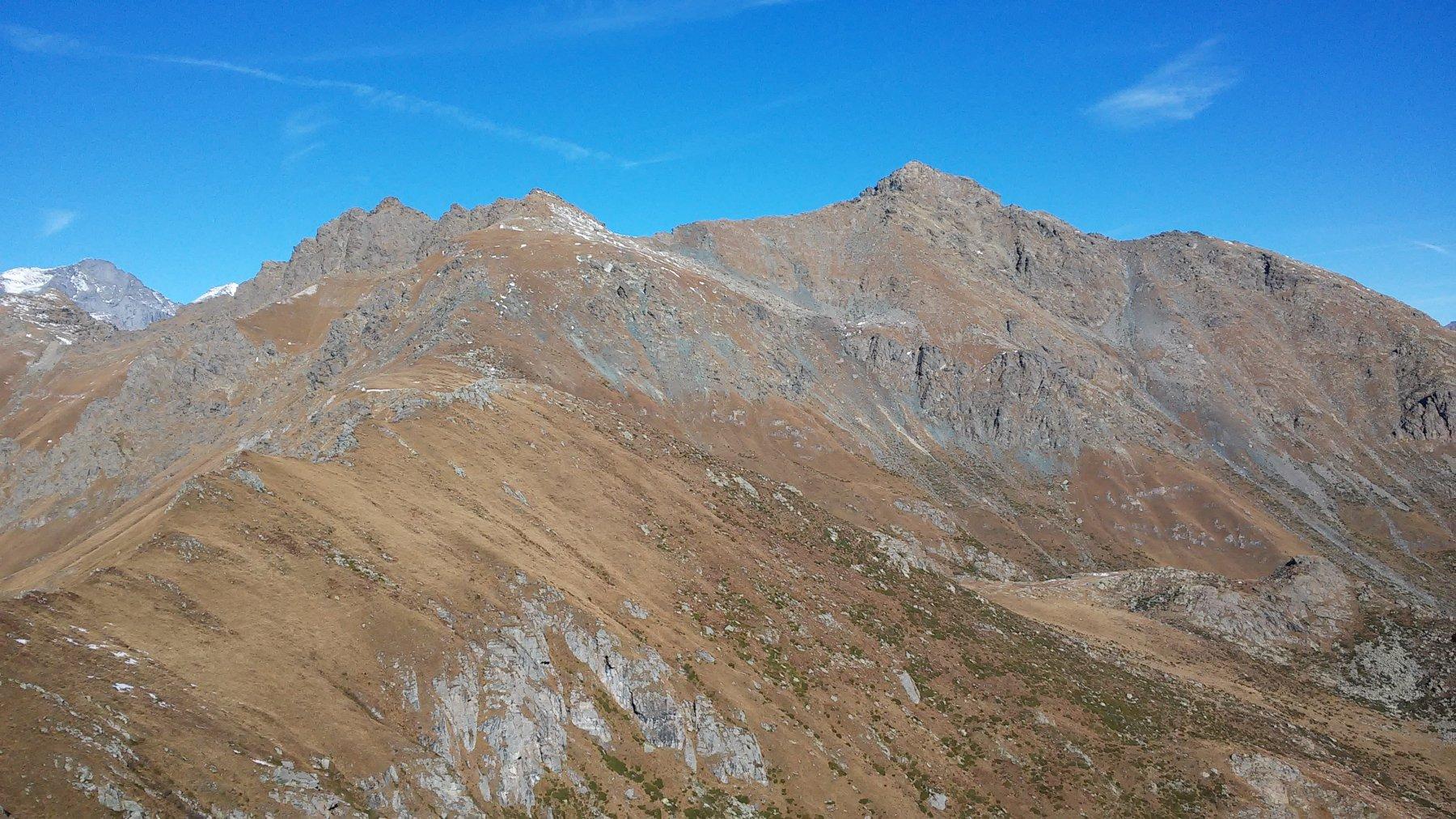 In secondo piano Monte Lera e Croce Rossa, in primo piano da sx Rocca del Forno, le 2 Cruvin e Lunella