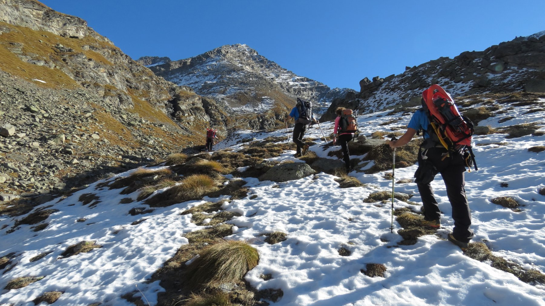 salendo lungo il sentiero Videsott a quota 2500 m