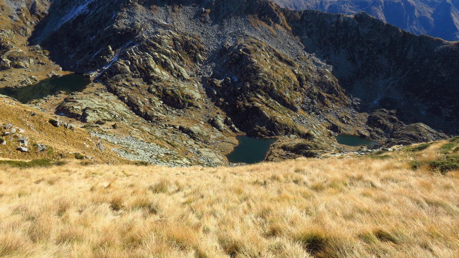 Discesa verso il secondo lago di Canaussa