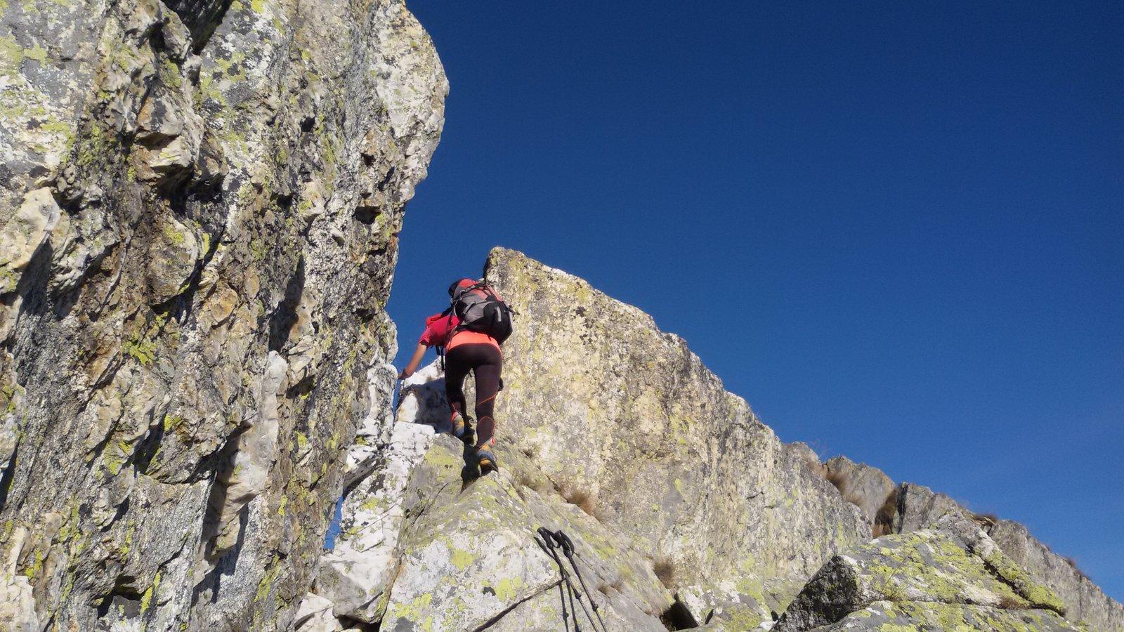 Il breve passaggio su roccia per riguadagnare la cresta dopo la Cima di Cugnacorta