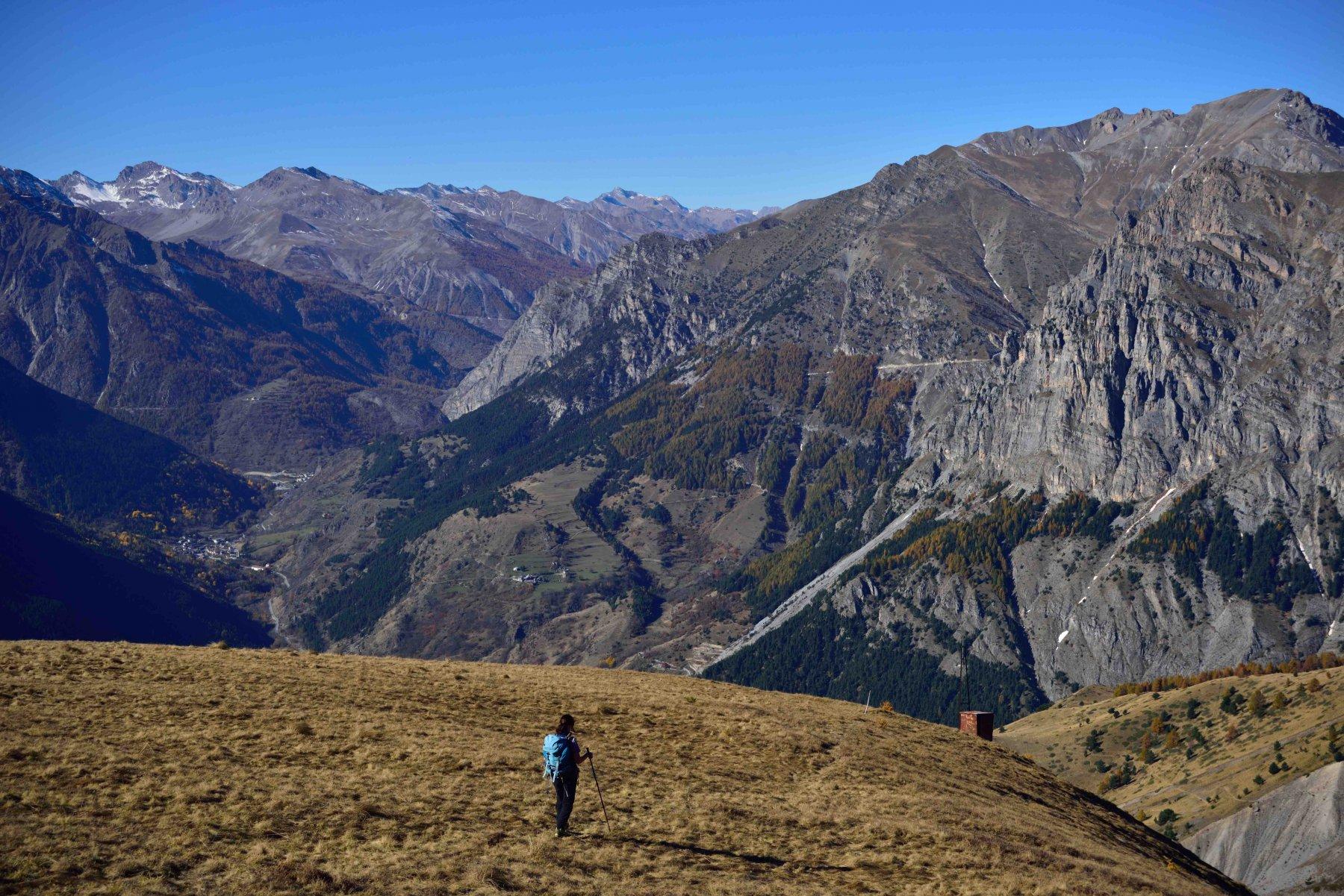 Scendendo per la cresta nord-ovest della Varirosa