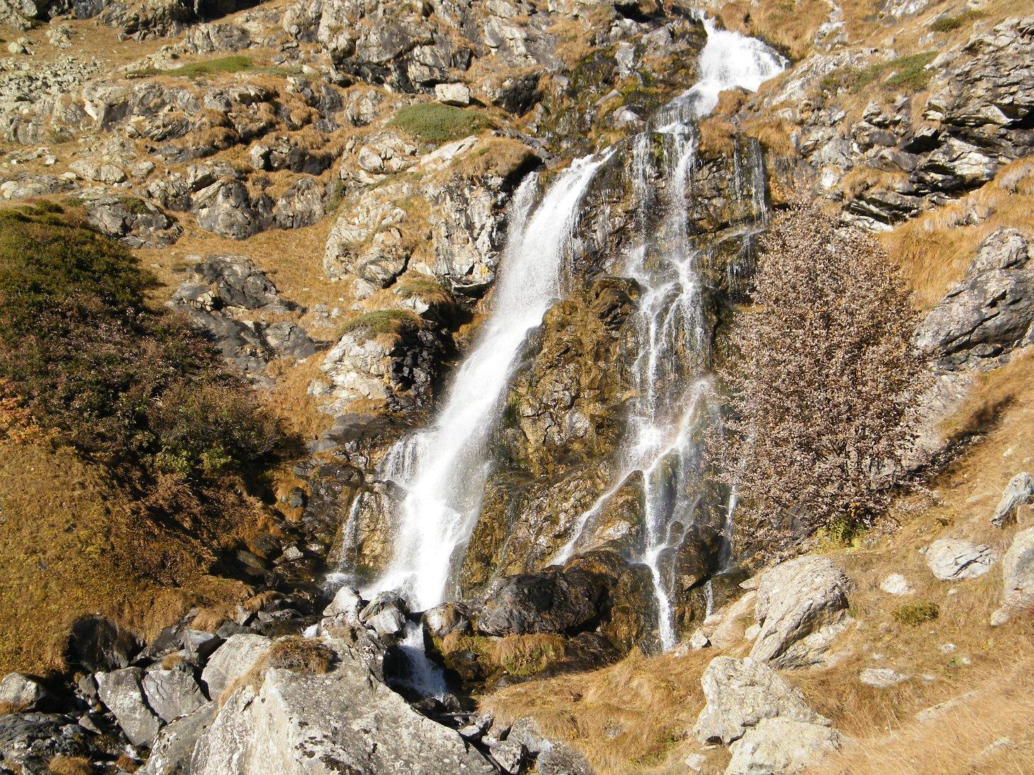 La cascata sotto Pian del Re.