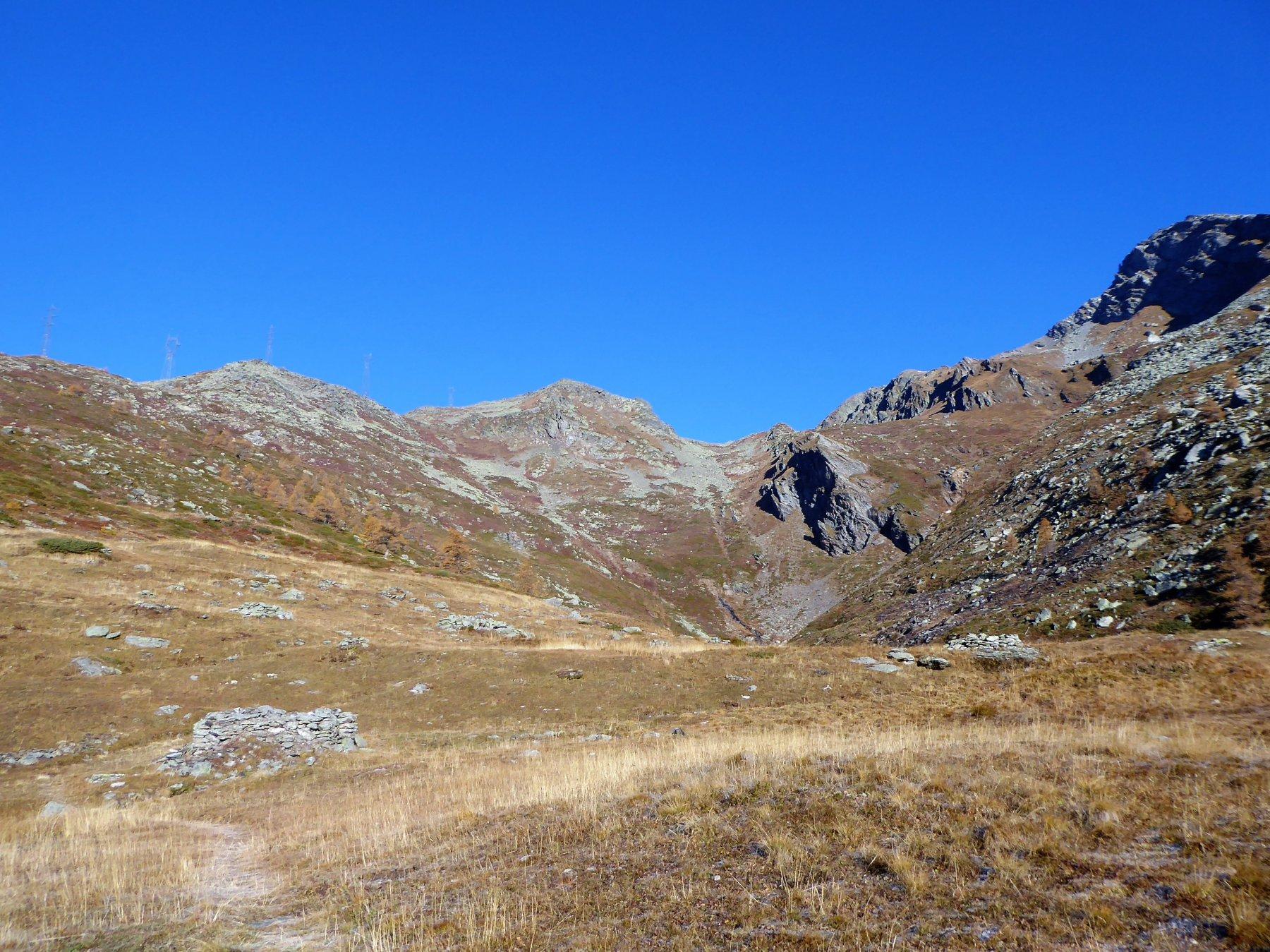 Salendo verso il colle est di Barasson, con la Tete a sinistra