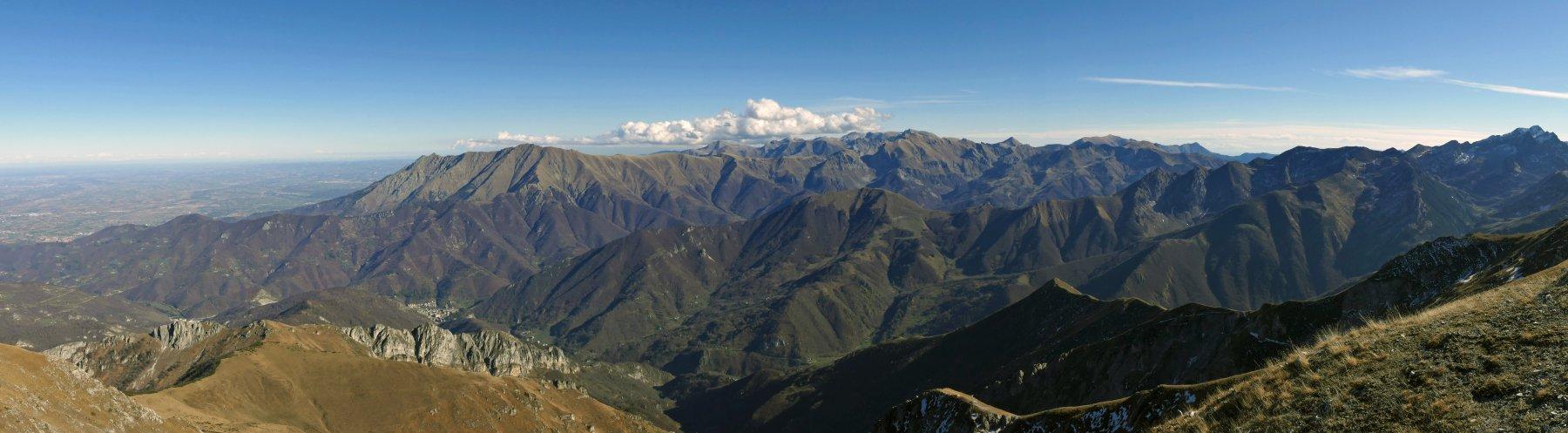 Panoramica verso le Alpi Liguri