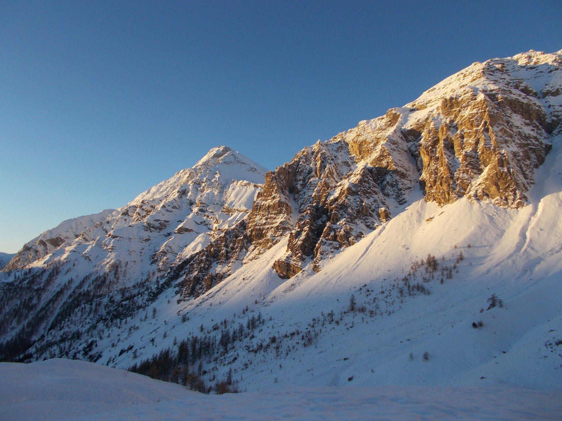 alba gelida scintillante di luce ..sullo Chaberton..