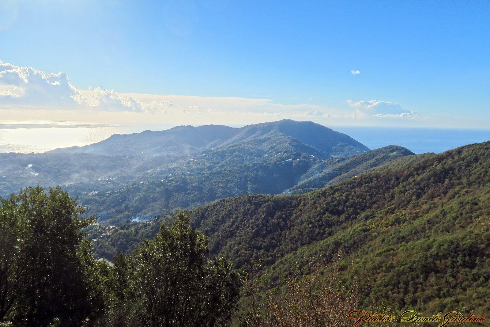 Dal Santuario il promontorio di Portofino