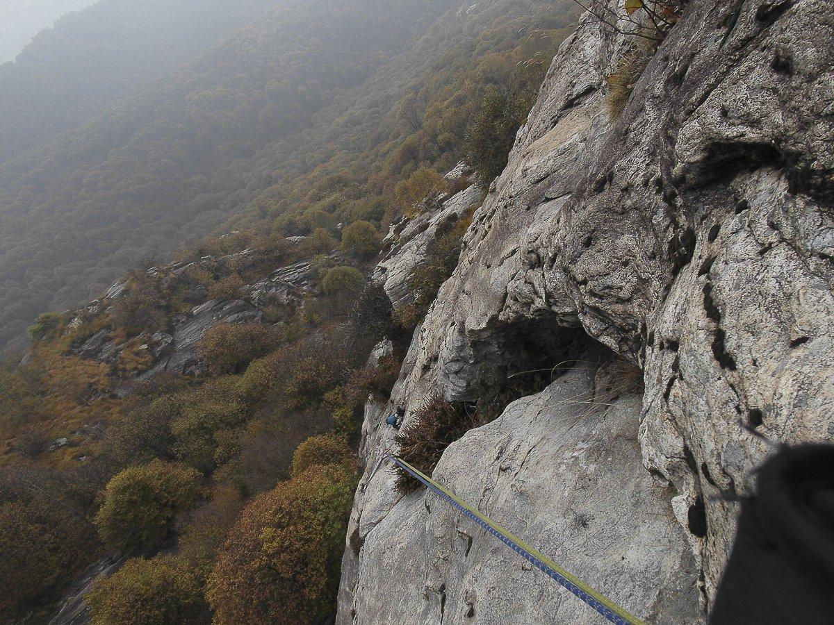 Bracco (Monte) via dei buchi neri 2016-11-11