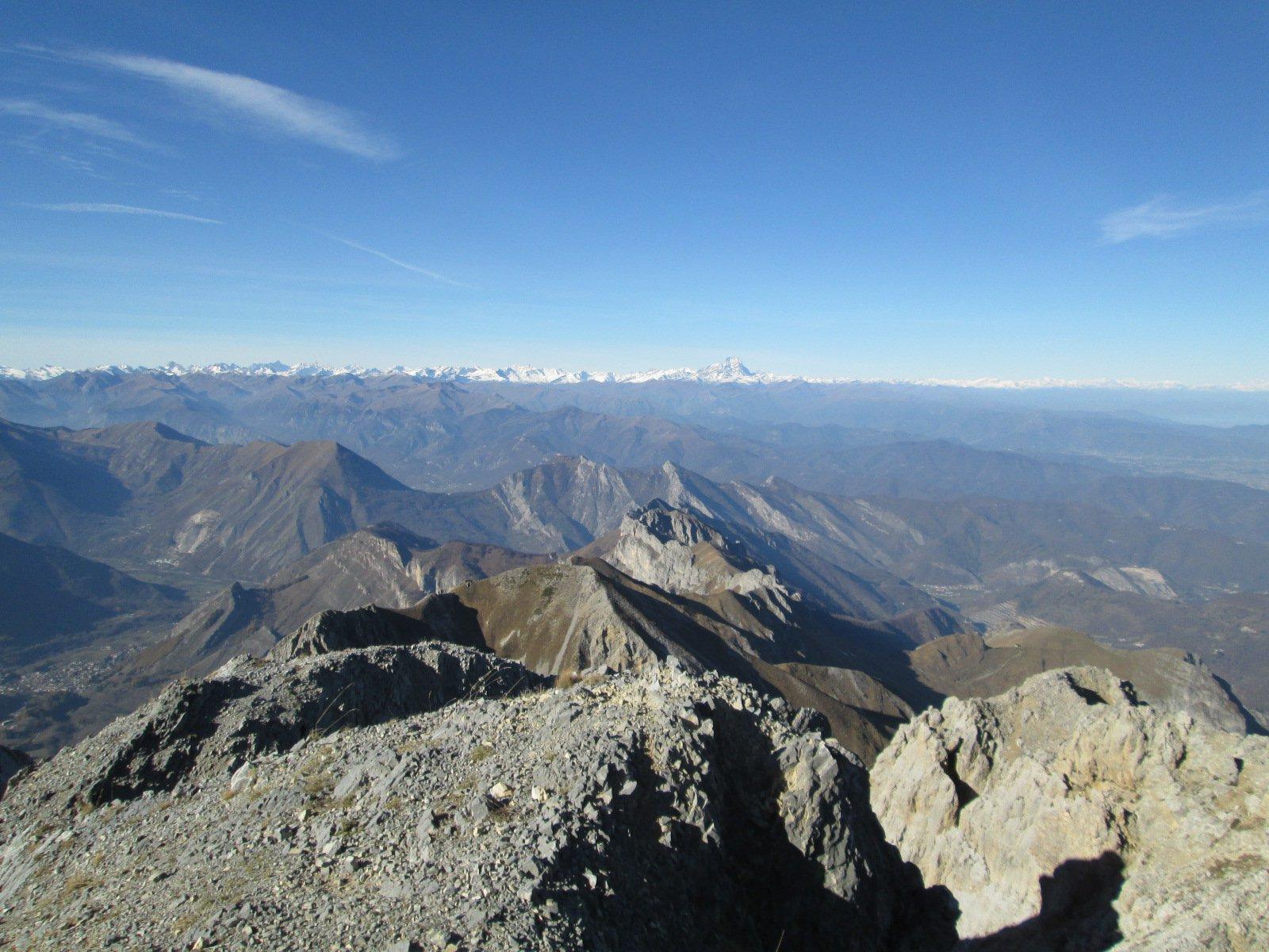 panorama dalla vetta del Bussaia