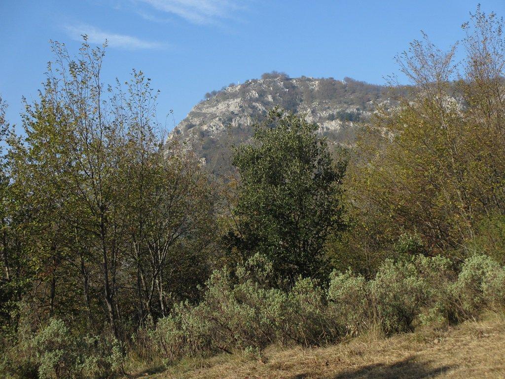 San Pietro dei Monti visto dal sentiero TA